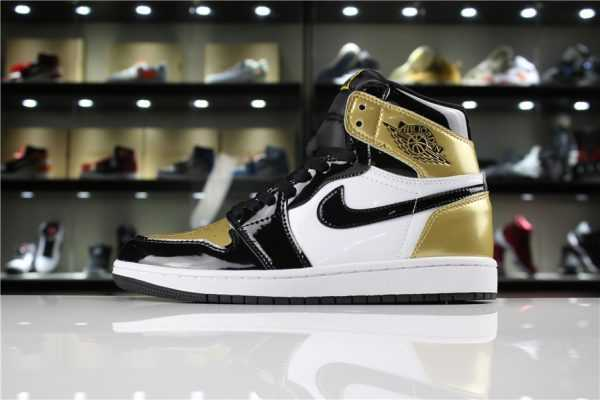 "Mens and Womens Air Jordan 1 Retro High OG NRG ""Gold Toe"" Black/White-Metallic Gold"